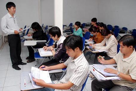 Thiếu hụt sinh viên theo học là tình trạng chung của nhiều trường trung cấp , cao đẳng